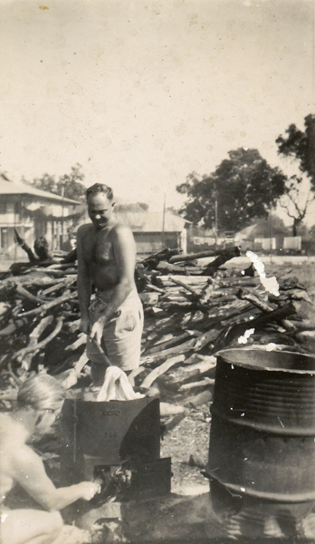 War Correspondent Jimmy Smythe doing his washing in the Darwin area